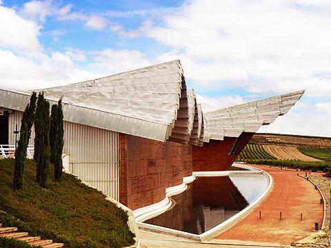 Винный туризм в Испании - Винодельня Ysios, архитектор Сантьяго Калатрава l Блог о вине Беаты и Алекса