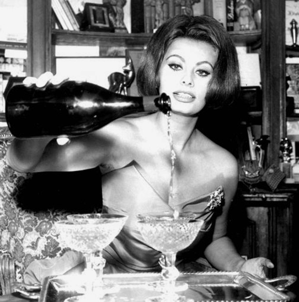 Sophia-Loren_champagne-wine