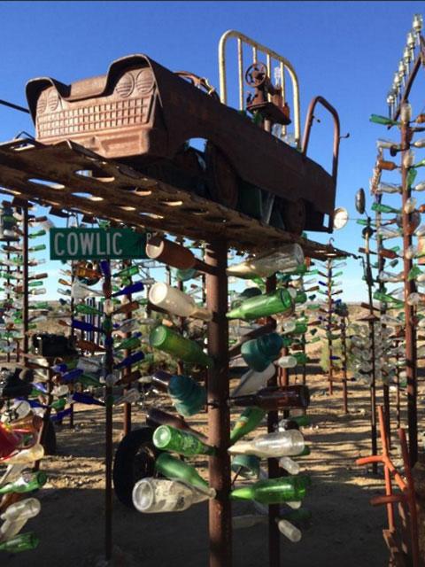 Бутылки и деревья Элмера Лонга