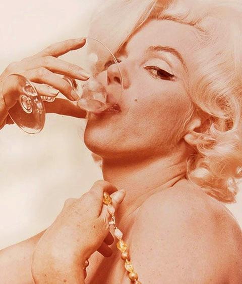 Marilyn Monroe By Bert Stern, June, 1962, Мэрилин Монро с бокалом вина, шампанское, последние фото