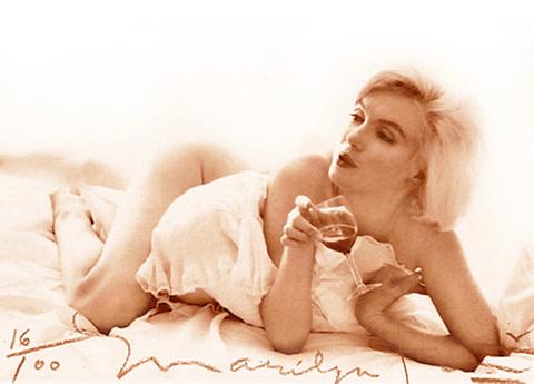 Мэрилин Монро, бокал вина, шампанское